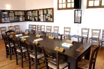 Αναπαράσταση της αίθουσας συνεδριάσεων της ΠΕΕΑ, μέσα στο μουσείο